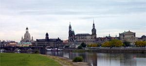 Dresden Altstadt Ansicht vom Elbufer